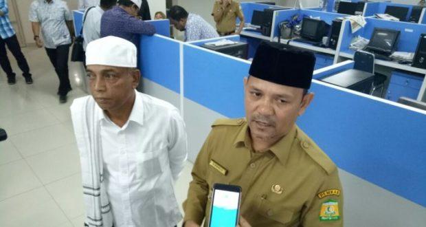 BUpati Aceh Besar Himbau Berhenti Kegiatan Saat Azan